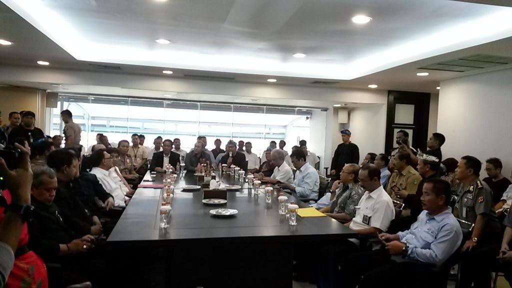 Periksa Stadion GBLA, Kabareskrim Bawa 12 Orang Tim Ahli