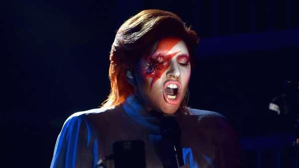 Lady Gaga Jadi David Bowie di Grammy 2016