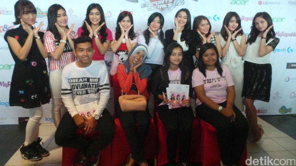 Bagi-bagi Hadiah sampai Pijatan Miftah di Meet & Greet Cherrybelle Semarang