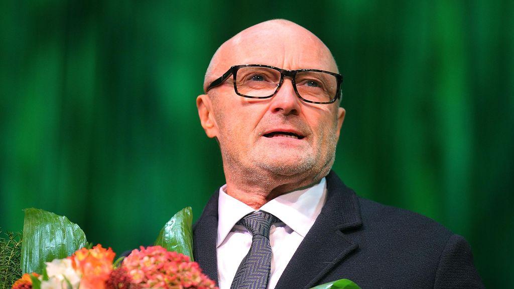 Phil Collins Hampir Tewas karena Alkohol