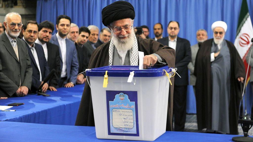 Pemimpin Tertinggi Iran Sebut Arab Saudi Tak Layak Kelola Tempat Suci Islam