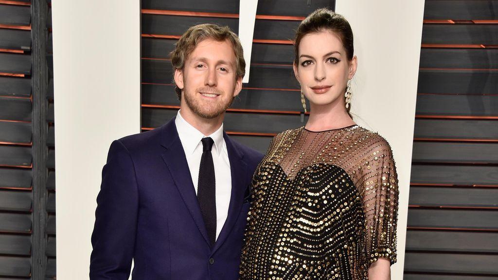 Congrats! Anne Hathaway Lahirkan Anak Laki-laki