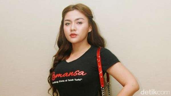 Vicky Shu Berpipi Chubby