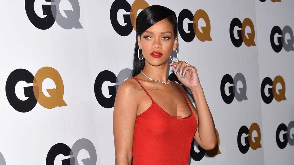 Alasan Rihanna dan Drake Belum Mau Pacaran Serius