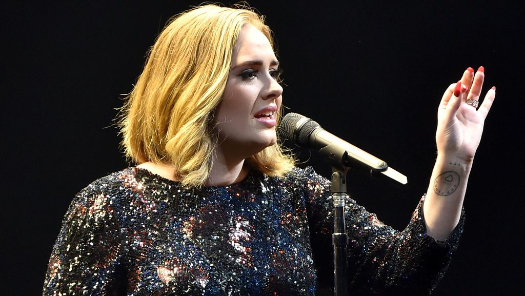 Adele Mengaku Berjanggut Habis Melahirkan