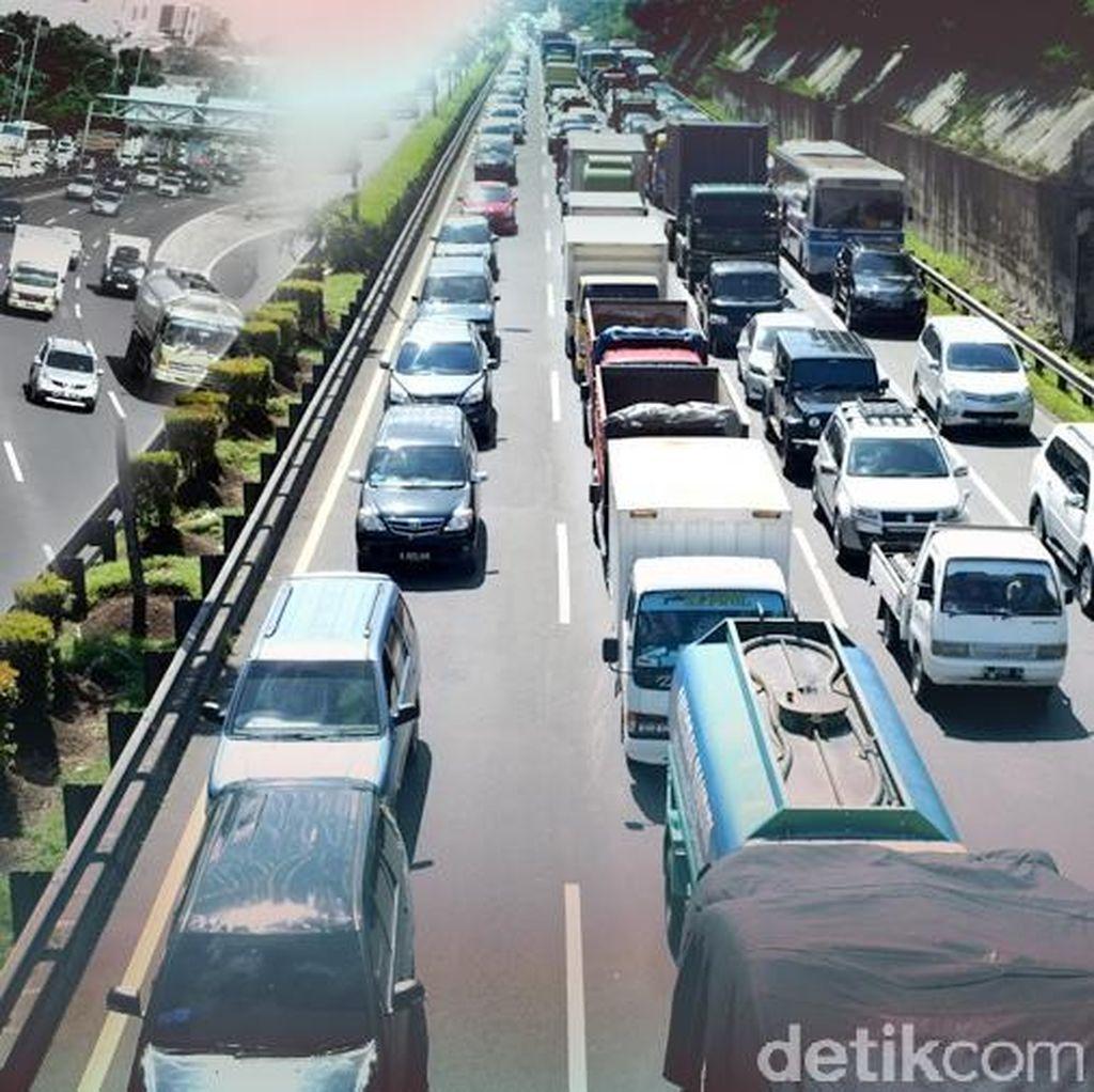 Lalin Tol Pluit ke Terminal 2 Bandara Soetta Cenderung Tak Bergerak