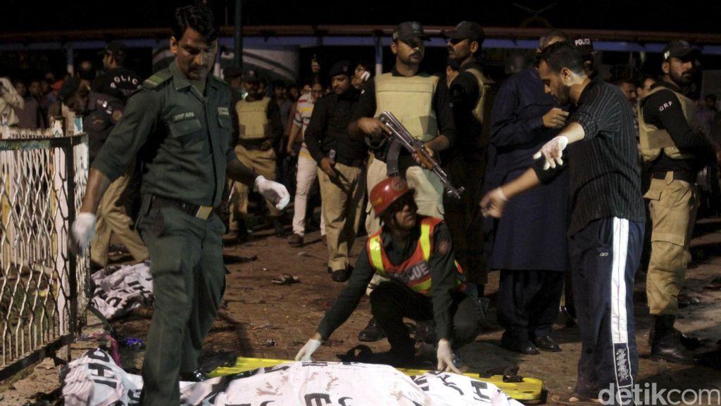 Bom Bunuh Diri Guncang Pakistan Saat Idul Adha, 4 Polisi Terluka