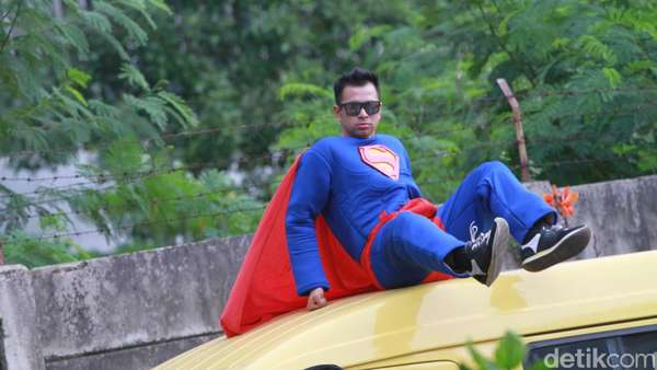 Demam Batman v Superman Raffi dan Ruben Onsu