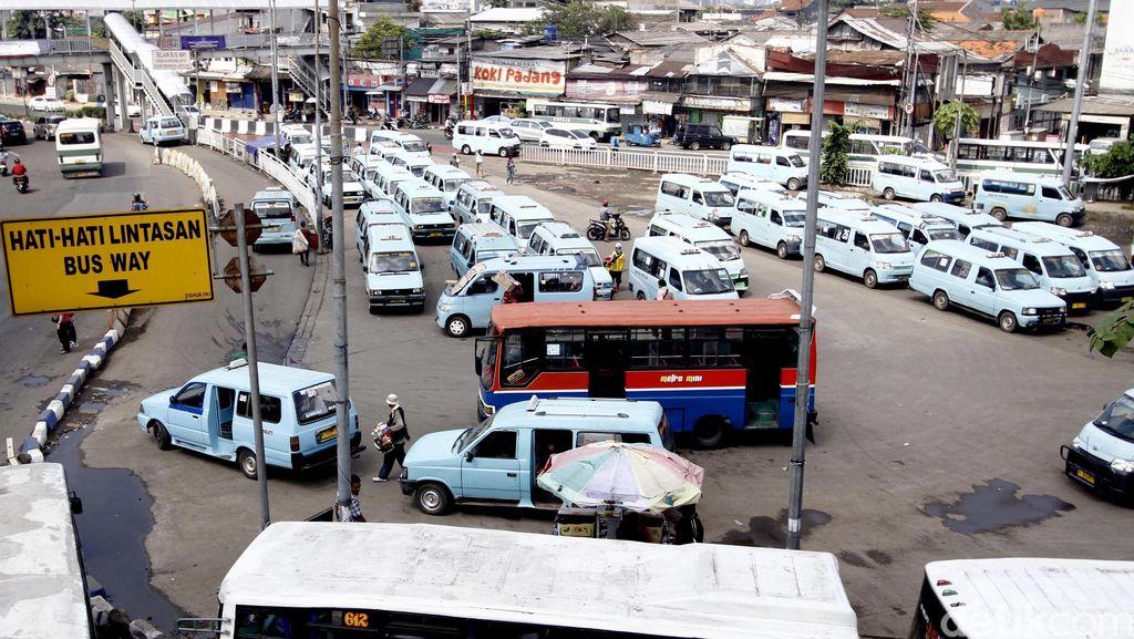 Penurunan Tarif Angkutan Umum di Jakarta Berlaku Hari Ini
