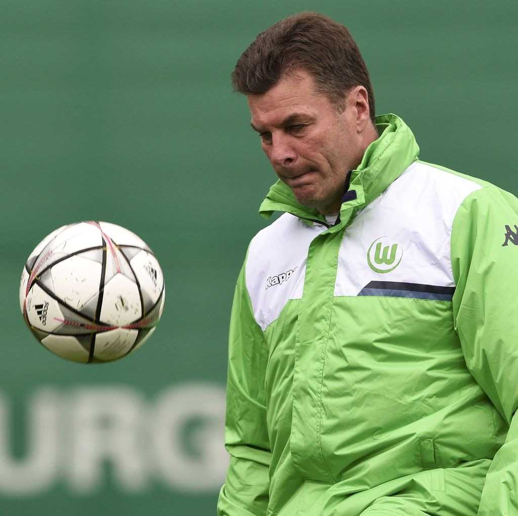 Wolfsburg dan Hecking Sepakat Pisah Jalan
