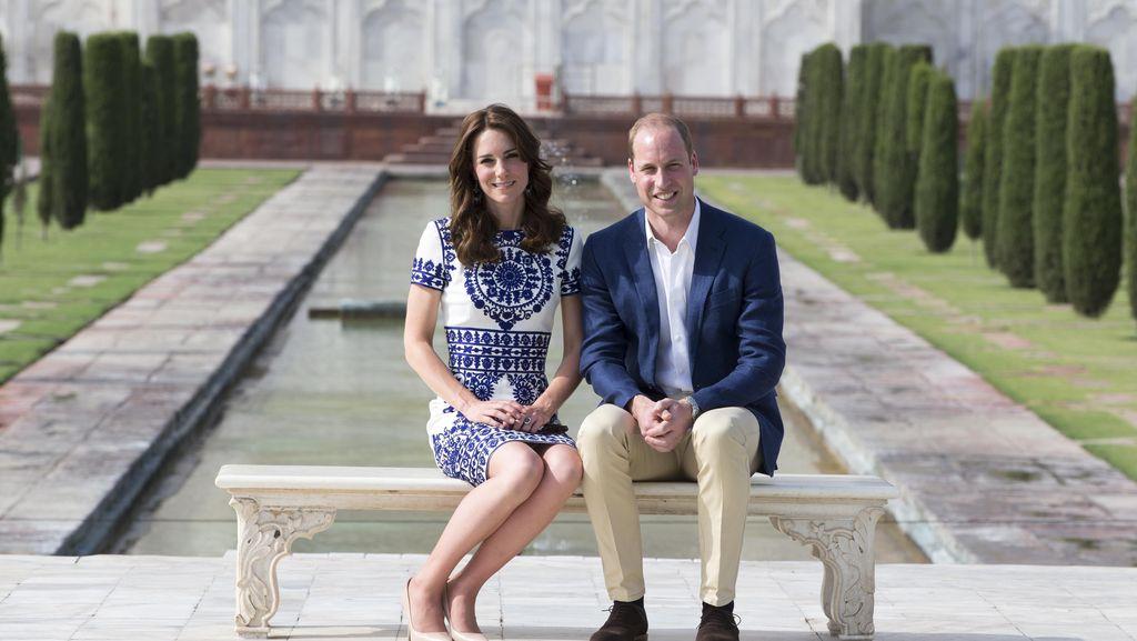 Pose William-Kate di depan Taj Mahal, Persis dengan Putri Diana 24 Tahun Lalu