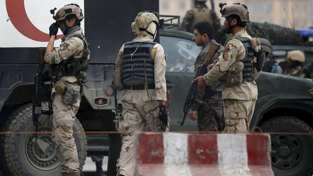 Gaji untuk Puluhan Ribu Tentara Hantu di Afghanistan Dipertanyakan