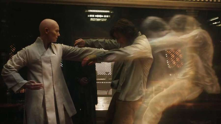 Tilda Swinton Berikan Kode ke Bos Marvel Demi Prekuel Doctor Strange