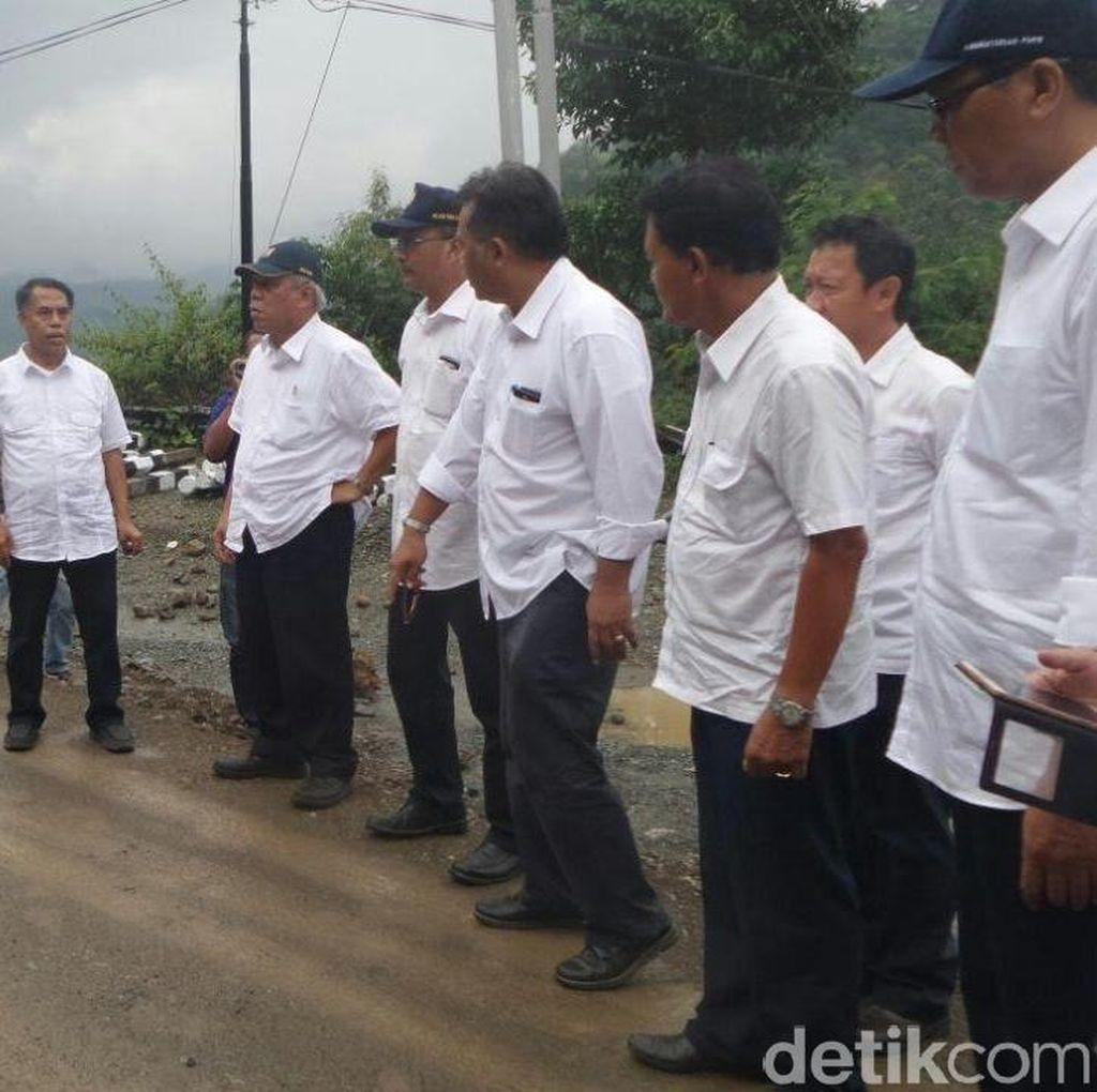 Menteri Basuki Cek Kondisi Jalan Jalur Tour de Flores di Kabupaten Ende