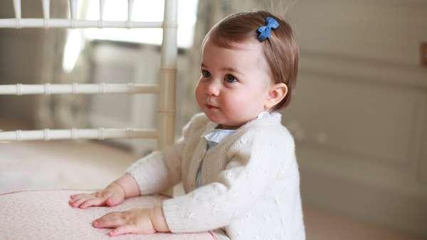 So Cute! Putri Charlotte Menggemaskan di Usia 1 Tahun