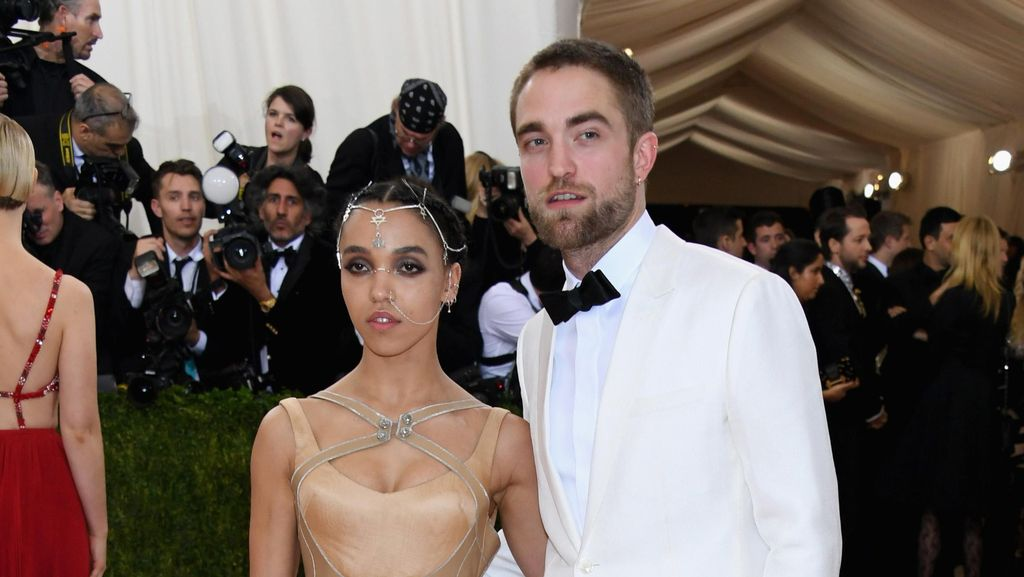 Robert Pattinson Nikahi FKA Twigs Desember 2016?