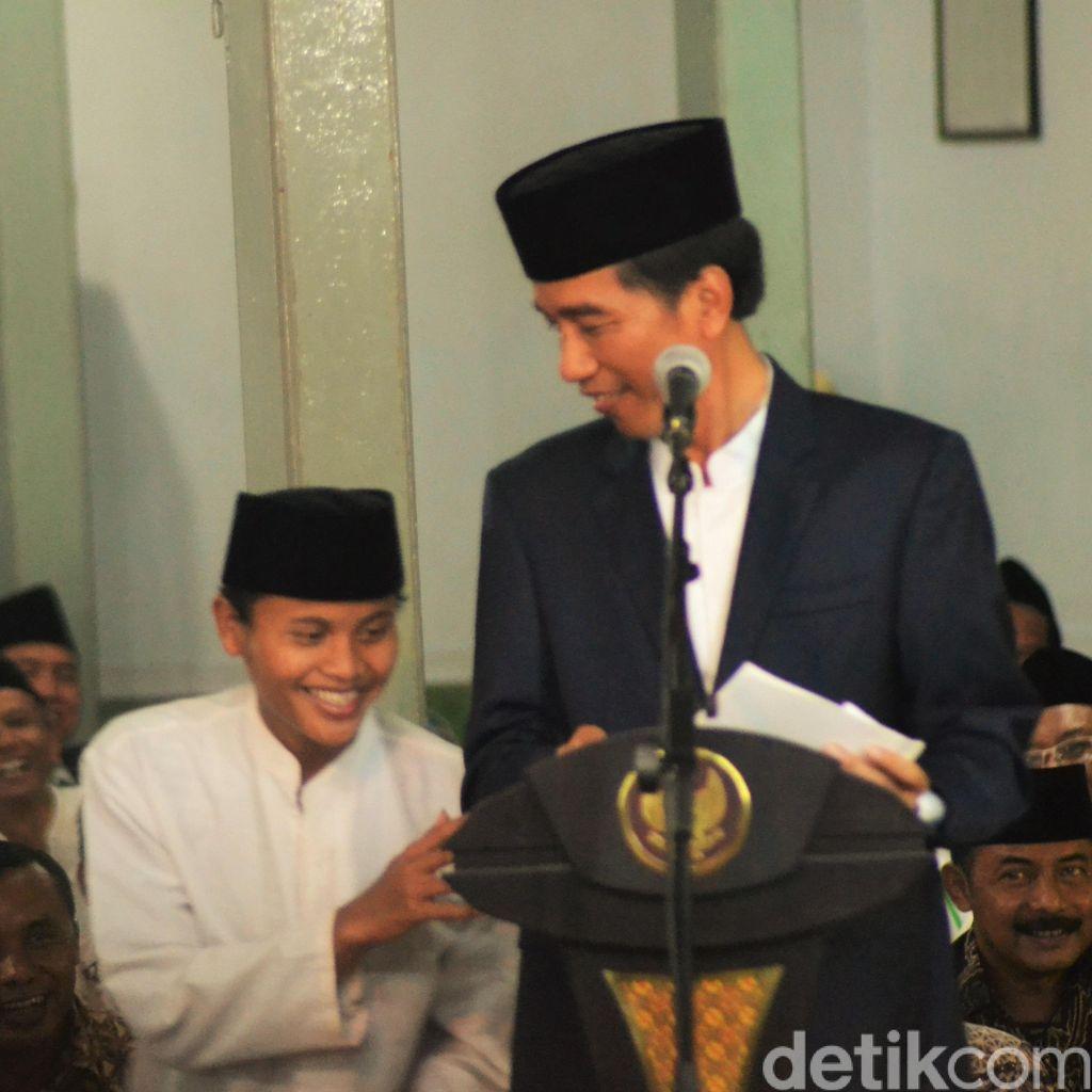 Saat Jokowi Terpingkal-pingkal Dengar Santri Sebut Ahok Sebagai Menteri