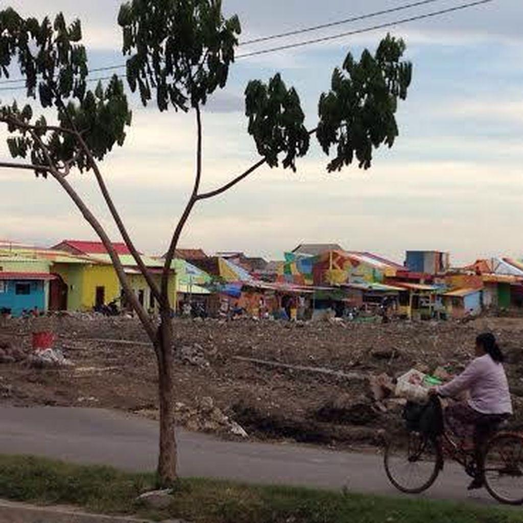 Rumah di Kejawan Juga Dicat Warna-warni Menuju Destinasi Wisata Kampung Nelayan