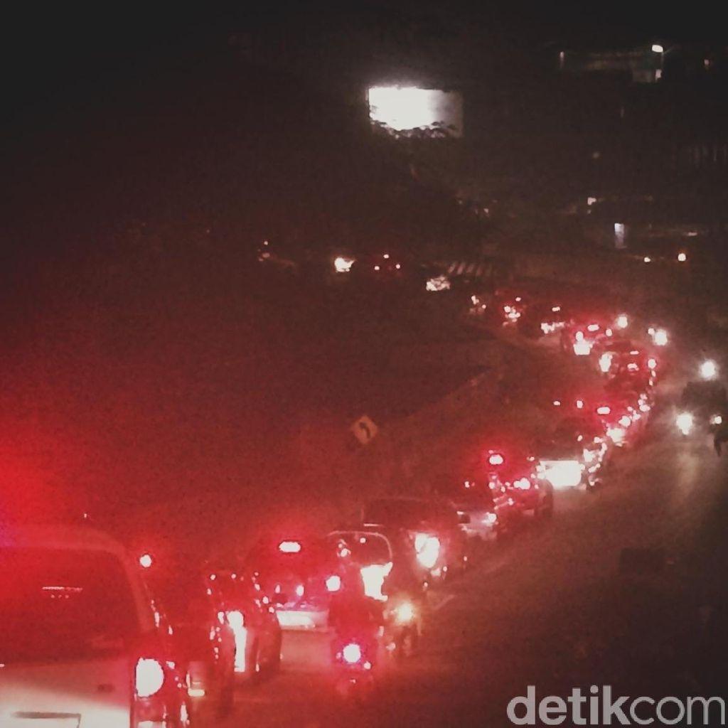 Macet Parah, Tangkuban Parahu-Bandung 5 Jam!