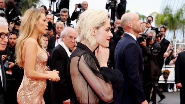 Kristen Stewart Berbaju Transparan di Festival Film Cannes 2016