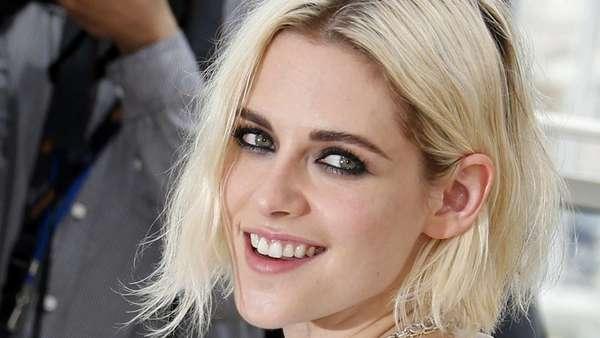 Cantiknya Kristen Stewart Tersenyum