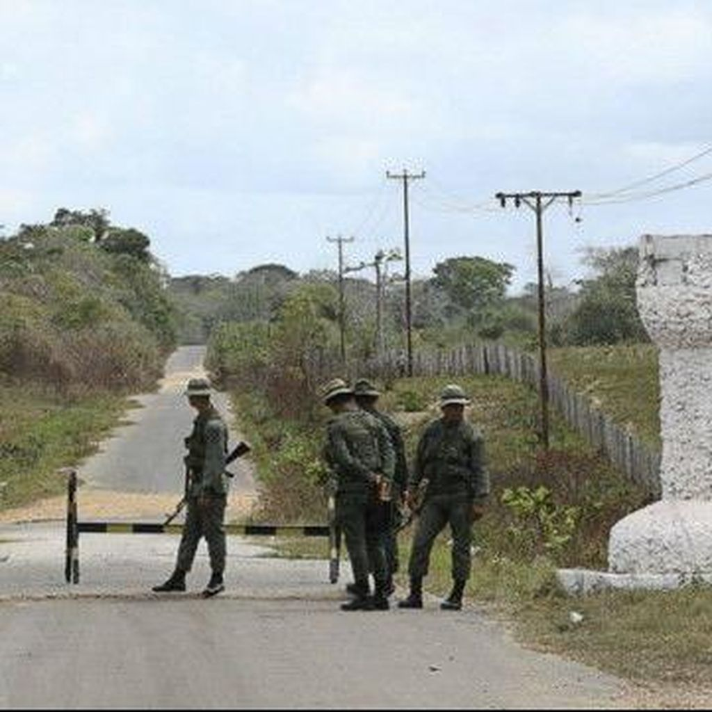 Tentara Venezuela Didesak untuk Segera Berpihak