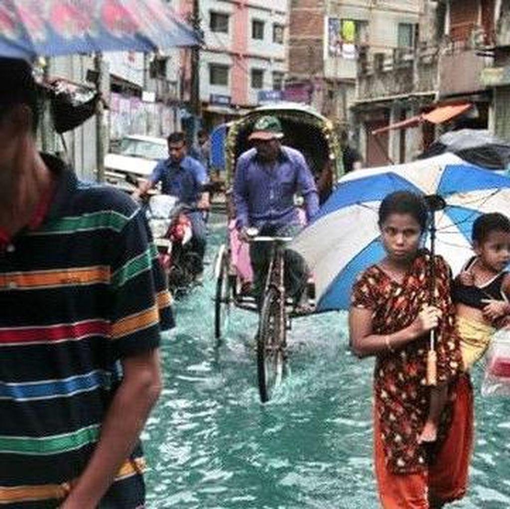 Setengah Juta Warga Bangladesh Mengungsi karena Badai Siklon Roanu