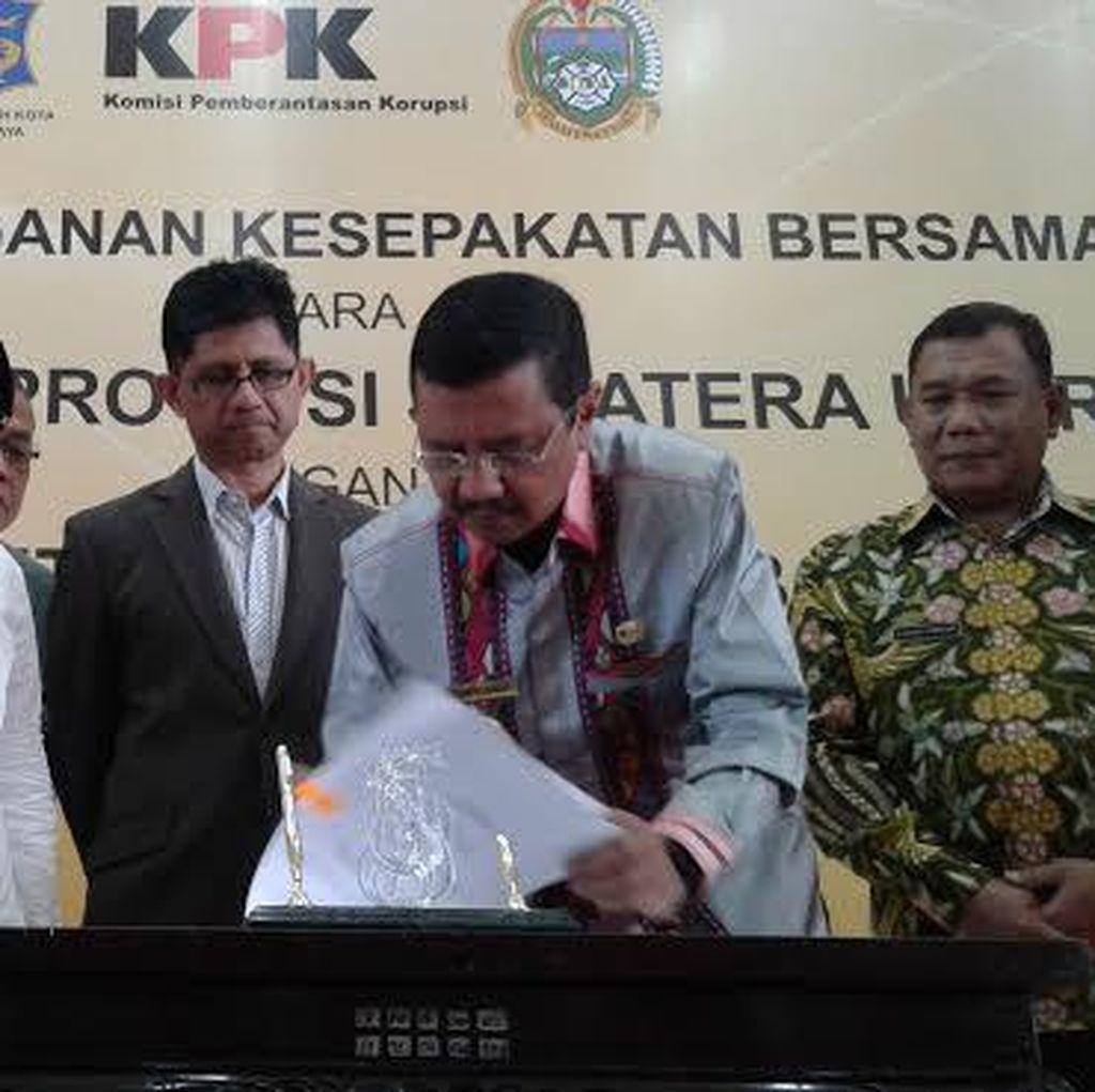 Wali Kota Risma Hibahkan Sistem dan Software e-Governance ke KPK
