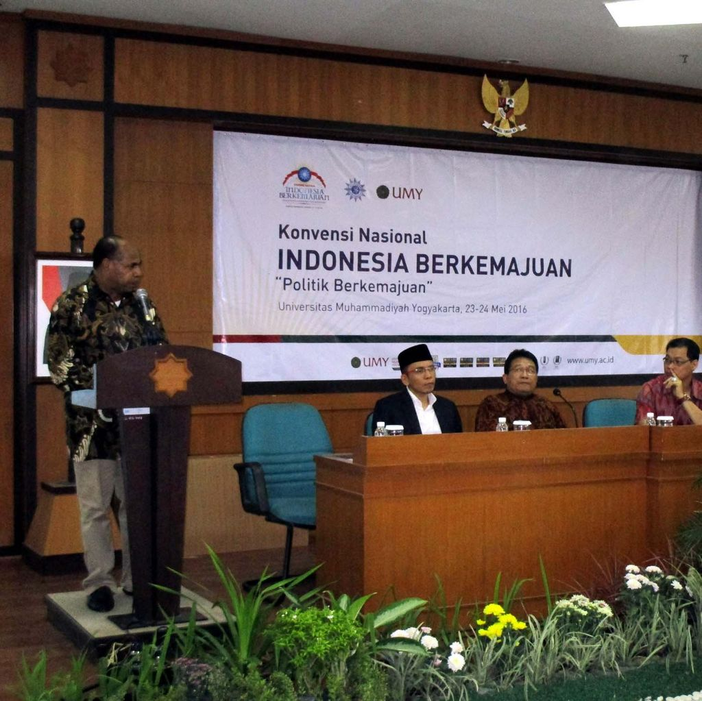 Cerita Stephanus Malak, Bupati Sorong yang Sukses Tata Infrastruktur