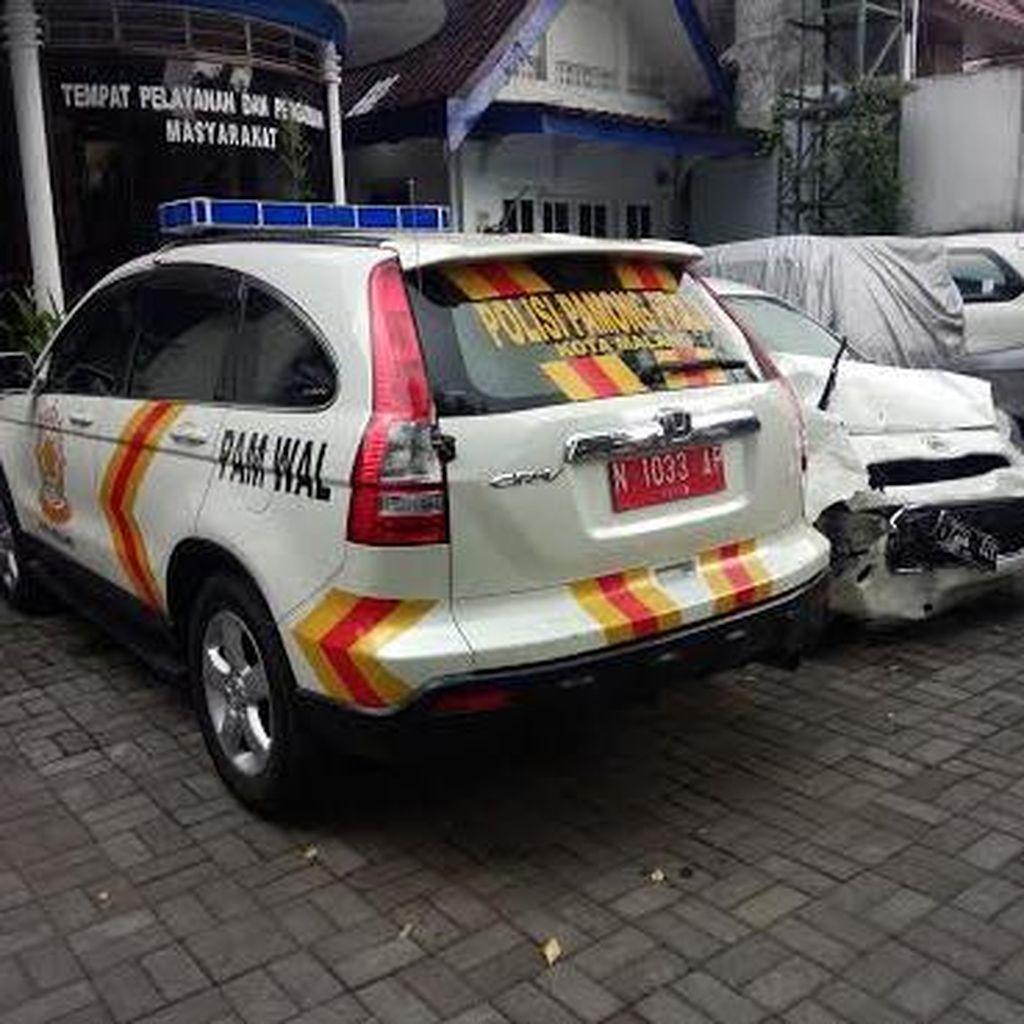 Mobdin Satpol PP Kota Malang Ditilang Polisi karena Salahi Undang-Undang