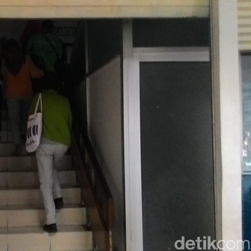 Gedung Ruang Rawat Jalan RSCM Mati Lampu, Pasien Tak Bisa Pakai Lift