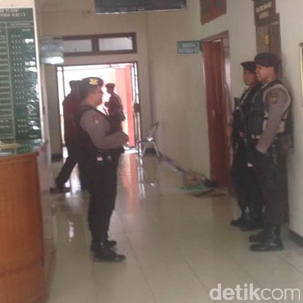 2 Hakim Diciduk karena Terima Suap, KPK Geledah PN Bengkulu