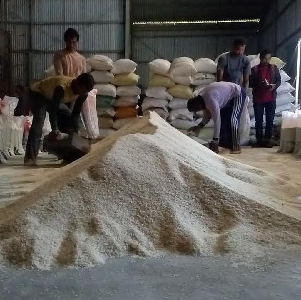Bulog Siapkan 200 Ton Beras Untuk Operasi Pasar Mojokerto dan Jombang