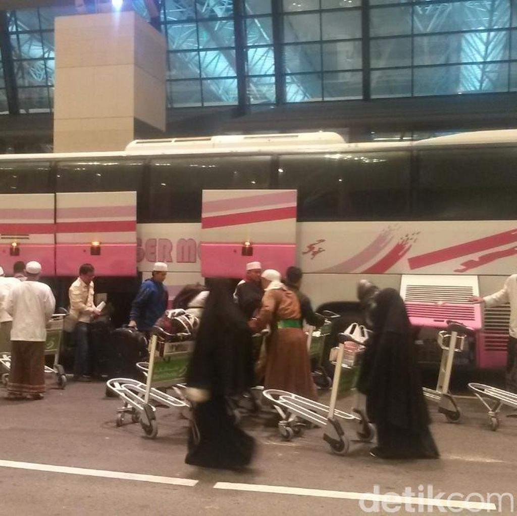 Dievakuasi dari Yaman Lewat Oman, 46 WNI Diterbangkan ke Jakarta
