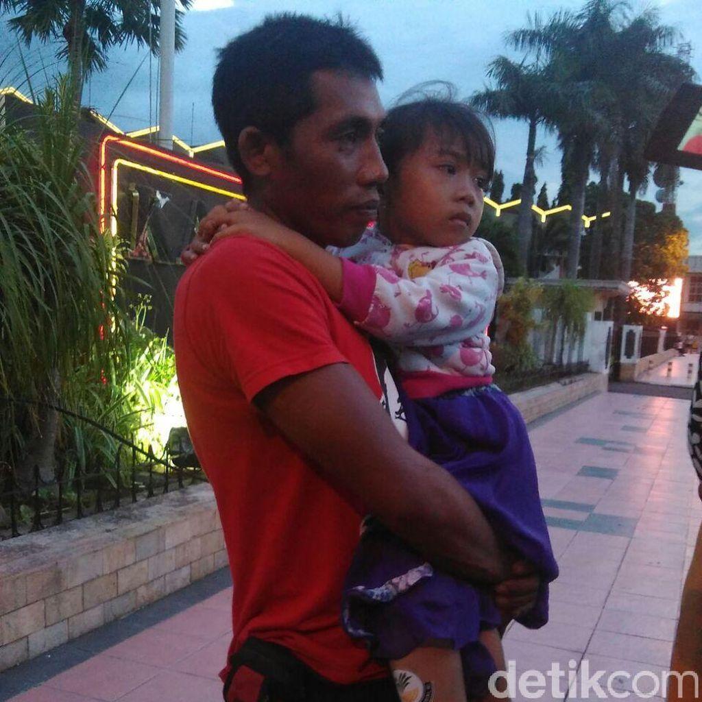 Kaki Palsu Anak Ini Hilang Usai Acara Penyerahan Bantuan di Jember