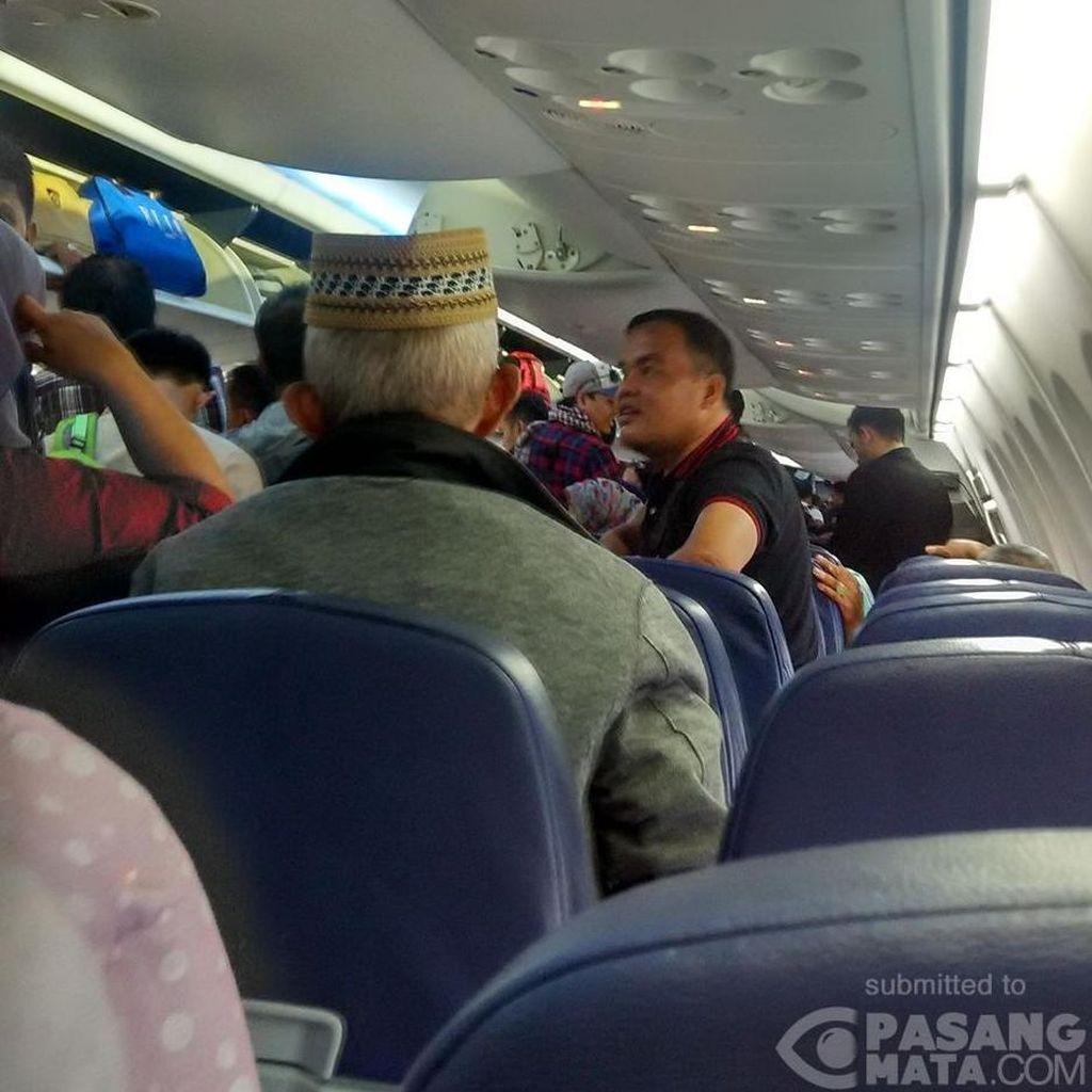 Penumpang 2 Jam Ngendon di Dalam Pesawat Lion Air Sebelum Disuruh Turun Lagi