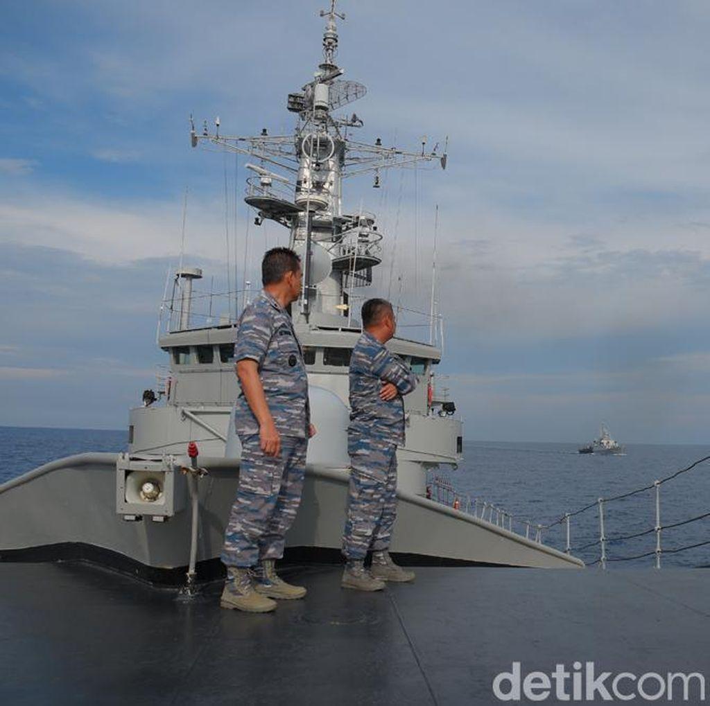 Coast Guard Cina Hanya Membayangi, Tak Berani Ganggu KRI Oswald