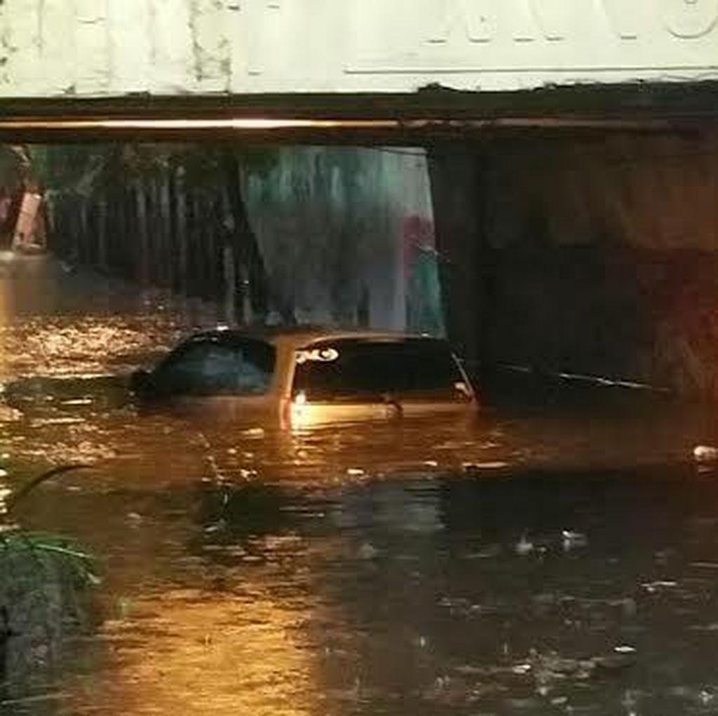 BMKG: Hujan Deras di Surabaya dan Sekitarnya Lokal, Bukan La Nina