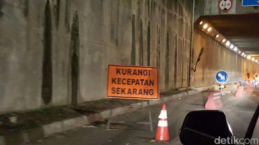 Imbas Galian Air di Jalan Raya Serang, Lalin Tol Arah Merak Macet 10 Km