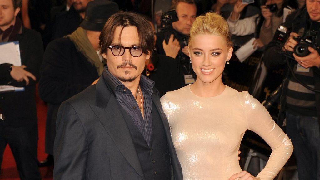 Johnny Depp Lega Sudah Resmi Cerai dari Amber Heard