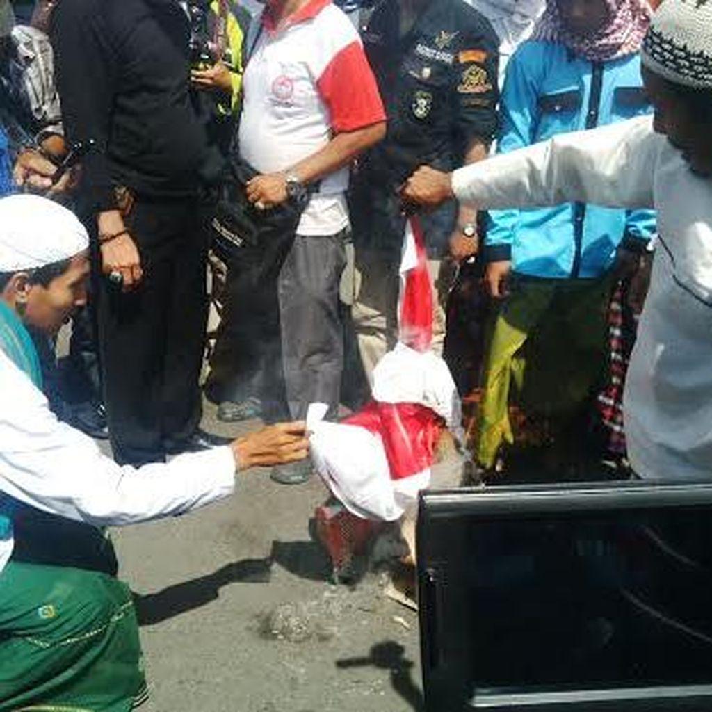 Hari Lahir Pancasila, Front Pancasila Jatim Bakar Bendera PKI