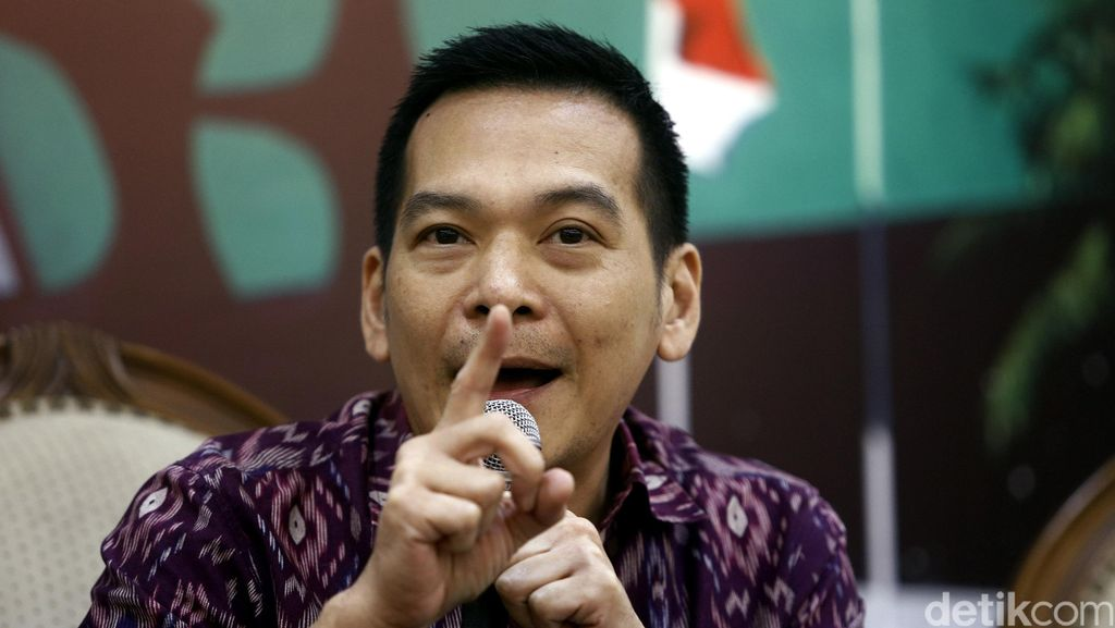 Polisi Lacak Peretas Akun BBM Anggota DPR Daniel Johan