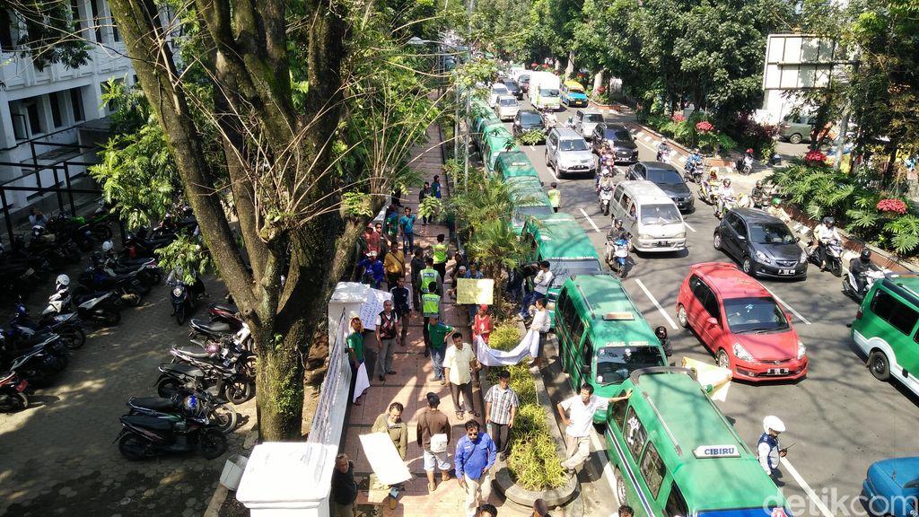 Aris Lapor Polisi Tertembak di Bagian Kaki saat Naik Angkot di Semarang