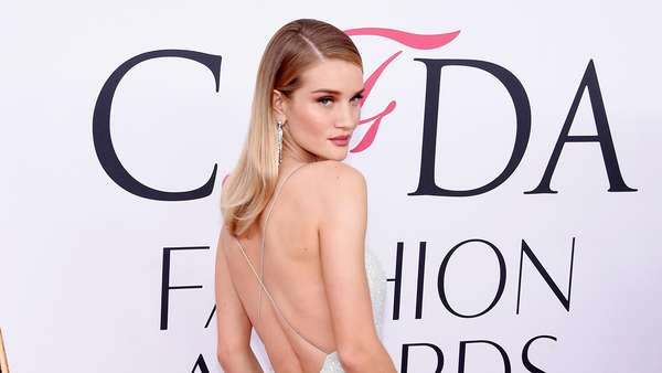 Deretan Model Cantik di Red Carpet, Siapa Paling Wow?