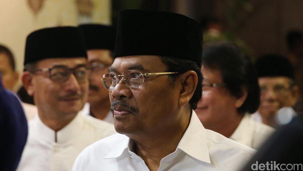 Jaksa Agung Usulkan KTP Khusus Bercap Mantan Koruptor