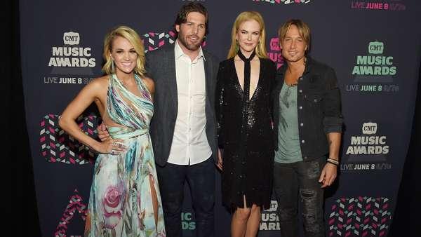 Keserasian Nicole Kidman dan Keith Urban di CMT Music Awards 2016