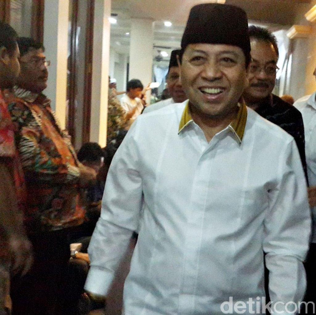 Novanto Hadiri Pelantikan Anak Agung Laksono Jadi Ketua Golkar Cirebon