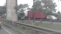 Masalah Transportasi Indonesia Juga Diwarnai Maraknya Truk Tua