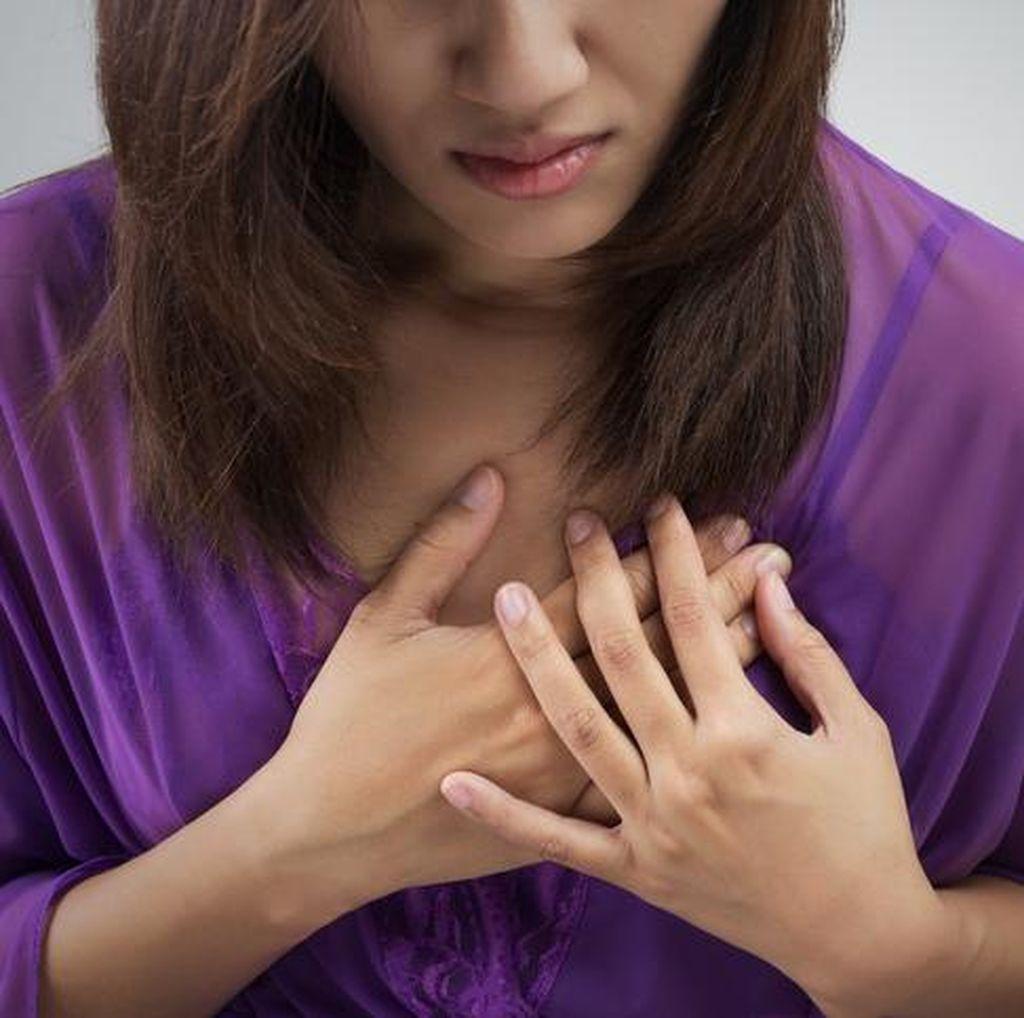 Wanita Ini Merasa Sakit di Dada, Ternyata karena Tak Sengaja Telan Duri Landak