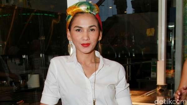 Gaya Nova Eliza dengan Scarf Turban